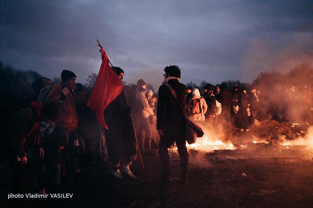 Le chant des cieux, la marche des peuples! Esclaves, ne maudissons pas la vie. Arthur Rimbaud.